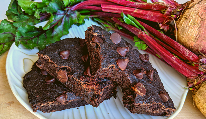 Collagen Beet Brownies: THM Fuel-Pull Low-Fat
